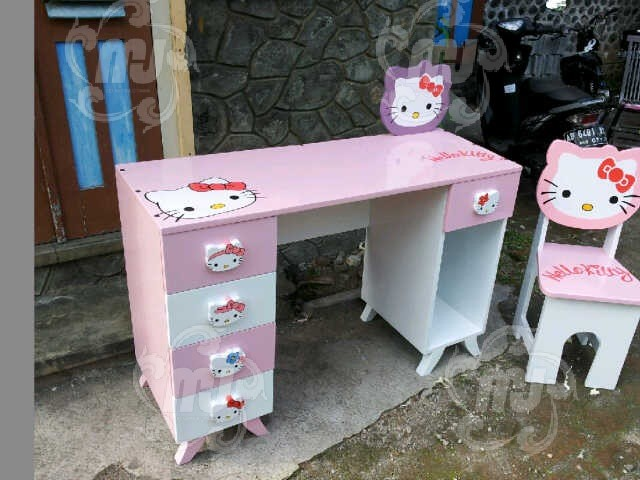 Meja-Belajar-Anak-Hello-Kitty-001