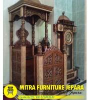 Mimbar Masjid Jati Model Kubah