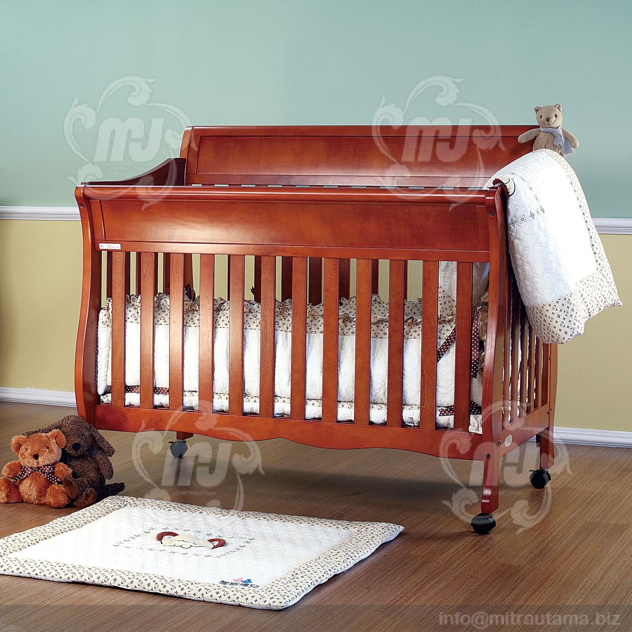 desain-box-bayi-minimalis-jati